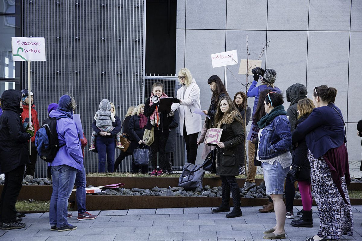 Protest wobec zmiany prawa aborcyjnego w Polsce. fot. Jacek Karwat