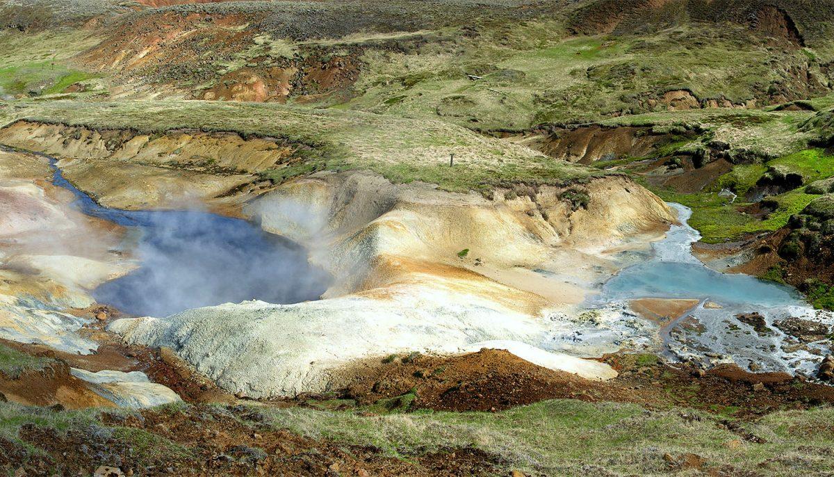 Nesjavellir/ fot. Hansueli Krapf/ wikipedia.org