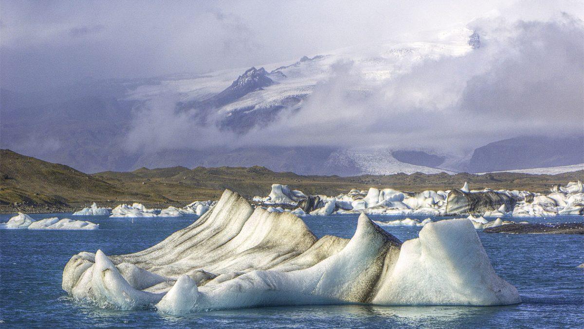 Laguna lodowcowa Jökulsárlón, znajduje się na Breiðamerkursandur. fot. wikipedia
