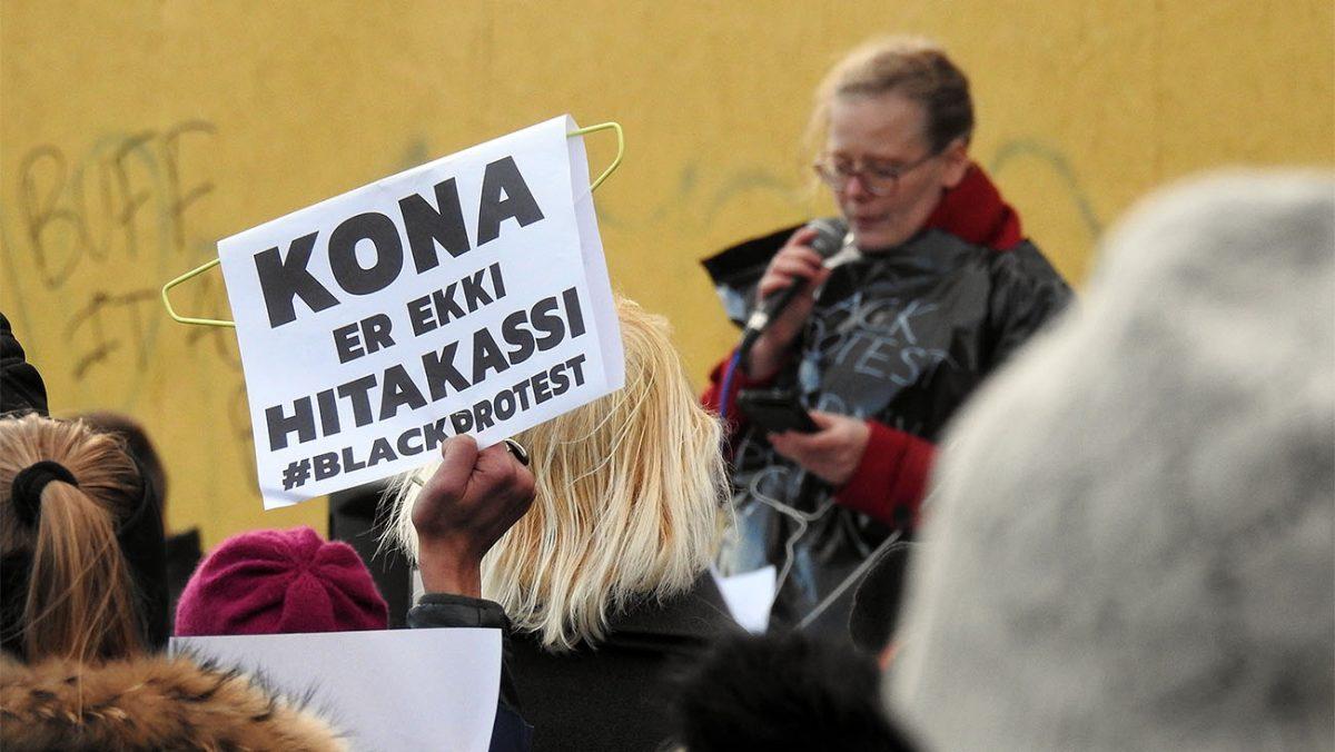 Ásta Guðrún Helgadóttir podczas przemawiania/ fot. Icestory.pl