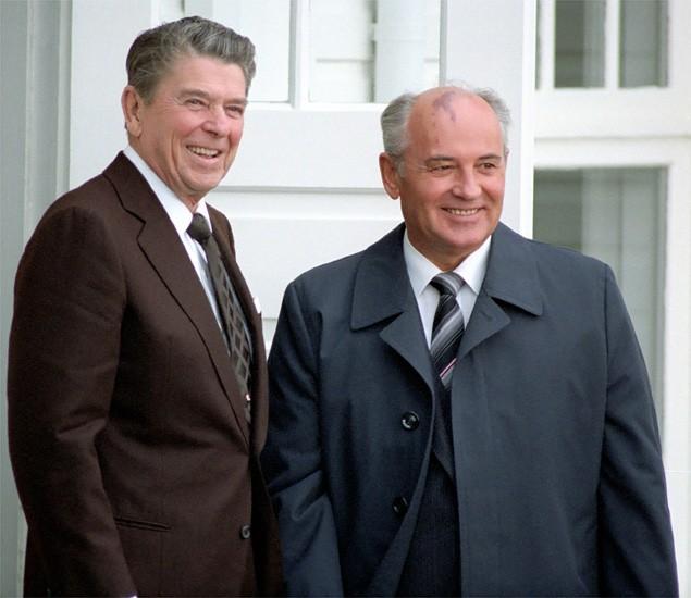 Ronald Reagan i Michaił Gorbaczow / Wikimedia Commons/Ronald Reagan Library